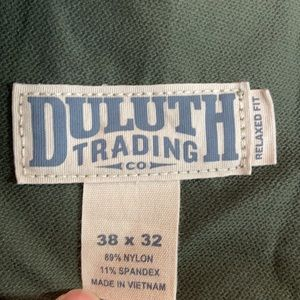 NWOT Duluth Trading Co Flexpedition pants.